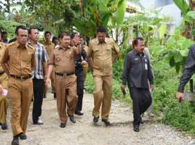 Di Mandau, Bupati Bengkalis Tinjau Jalan Gelora Air Jamban