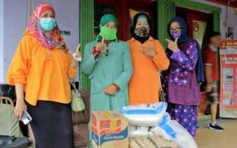 HWK Sumbar Bantu Tiga Keluarga Hidup Satu Atap di Perkampungan Pusat Kota Padang