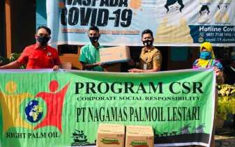 PT Nagamas Dumai Serahkan Seribu Masker ke Kelurahan Buluh Kasap