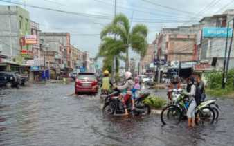 PUPR Dumai Usulkan Anggaran Normalisasi Drainase Rp7 Miliar Atasi Banjir Rob