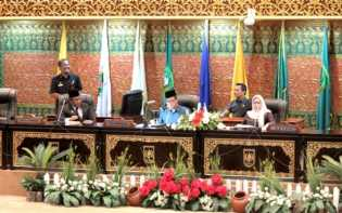 Paripurna Pengesahan Raperda RTRW Riau Hanya Dihadiri Wagubri, Komitmen Gubri Dipertanyakan