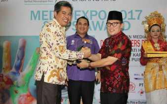 Walikota Dumai Terima Penghargaan dari SPS Riau