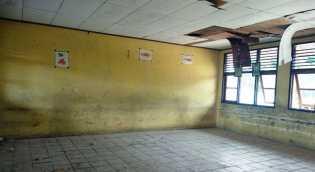 Berada Ditengah Kota Dumai, Kondisi SDN 025 Teluk Binjai Sangat Memprihatinkan