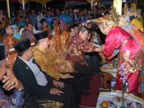 Hidupkan Gebu Minang di Mandau, Amril Apresiasi IKMR