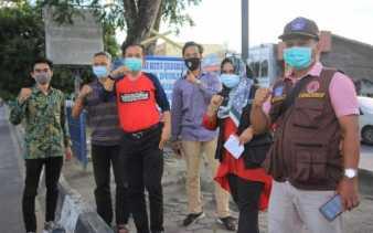 Satgas Covid-19 Dumai Bersama Organisasi Mahasiswa Bagikan 1.500 Masker ke Masyarakat