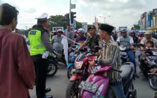 Pawai Ta'aruf MTQ Riau, Rombongan Pengantar Jenazah Terjebak Macet