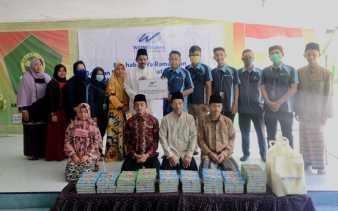 Ramadhan 1441 H, WOM Finance Bagikan Al-Quran