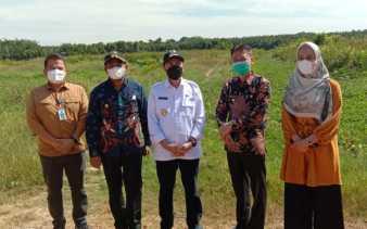 Bupati dan Wabup Rohil Dampingi Gubernur Riau Tinjau Kondisi Jalan Lintas Pesisir Rohil