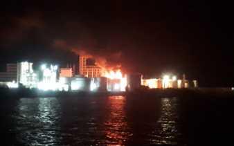 Pabrik PT SDO di Lubuk Gaung Dumai Terbakar
