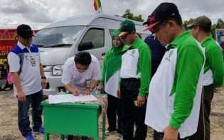 Bank Riau Kepri Serahkan CSR 1 Unit Mobil Mini Bus ke PKK Kuansing
