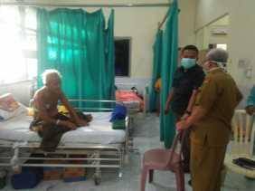 Ketua DPRD Inhil Kunjungi Pasien RSUD Puri Husada Tembilahan