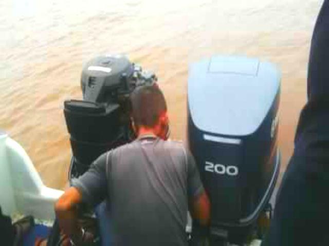 Speed Boat Milik Pemkab Inhil Macet, Gubri dan Bupati Inhil Langsung Dievakuasi