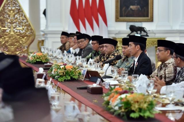 Jelang Tahun Politik, Presiden Jokowi Minta Ulama Bantu Jaga Suasana Kondusif Daerah