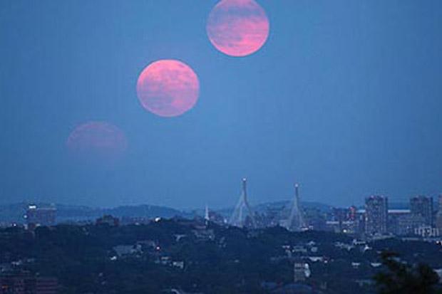 Kabarnya Malam Ini Akan Ada Fenomena Bulan Kembar