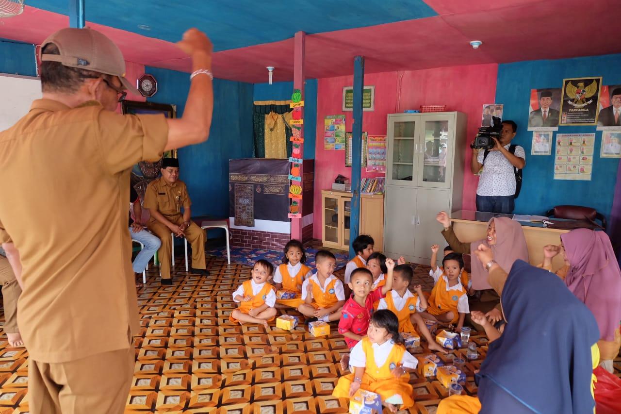 Kabag Humas Dan Protokol Kunjungi Para 'Sahabat Kecil' Di TK 'Bunda Dewiq'