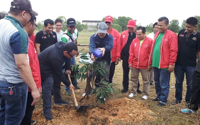PWI Gelar ''Go Green Together'' di Main Stadium Riau