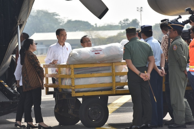 Presiden Jokowi Lepas Bantuan Kemanusiaan Tahap Pertama Untuk Pengungsi Rohingya di Bangladesh
