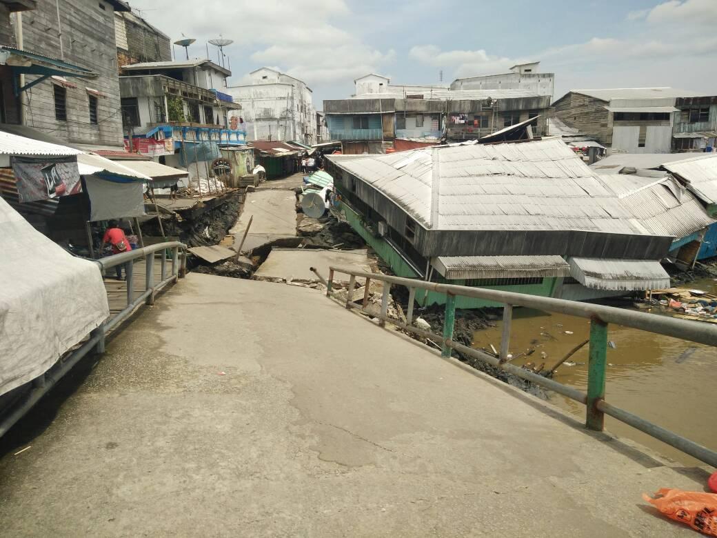 Tanah Merah Dilanda Tanah Longsor, 4 Unit Rumah Dan 1 Unit Pos Ronda Alami Rusak Berat