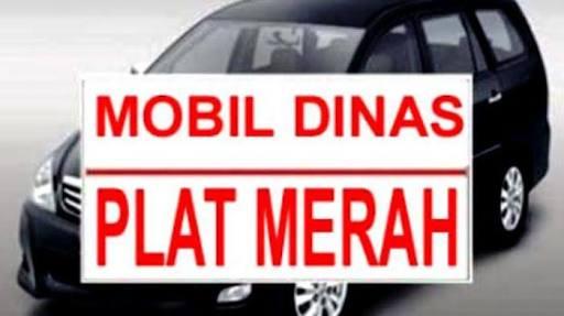 Akhirnya...! Dua Mobil Dinas Toyota Alphard Pemprov Riau yang 'Digelapkan' Mantan Pejabat Dikembalikan