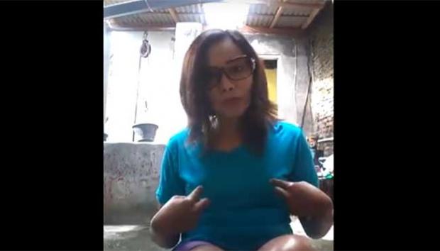 VIDEO : Wanita Ini Akan Potong Payudara Jika Anies-Sandi Menang Pilkada
